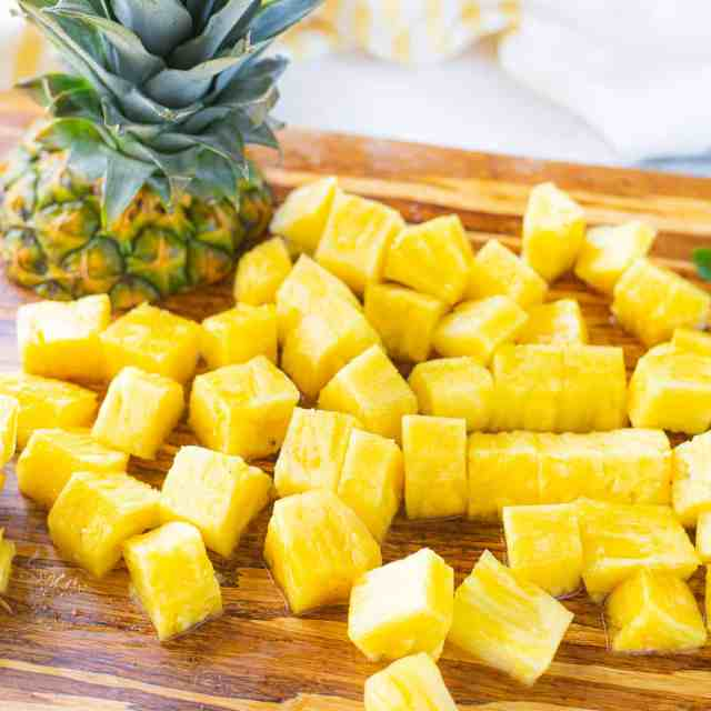 pineapple cutted