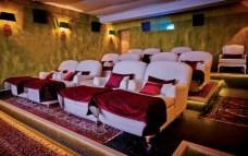 Unterhaltung im SPA Cinema