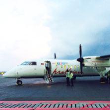 Ankunft im Paradies. Mit einer kleinen Maschine geht es von der Inselhauptstadt Male aus zum Regionalflughafen und dann weiter ins Laamu Atoll. Dort liegt das Resort Six Senses Laamu