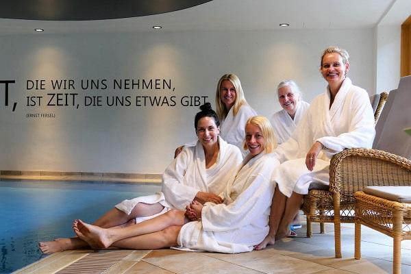 """Fünf sehr unterschiedliche Frauen freuten sich über """"Zeit für sich""""."""