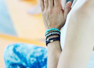 Yoga ermöglicht Verbindung - auch im Live-Stream bei der YOOOGANACHT OOONLINE. Foto: Carina Görrissen