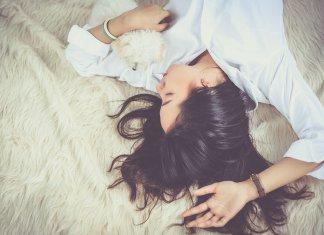 Guter Schlaf ist wichtig für den Körper und den Kopf. Foto: Jess Foami/Pixabay