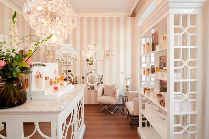 beauty-salon-in-rosa-und-weiß