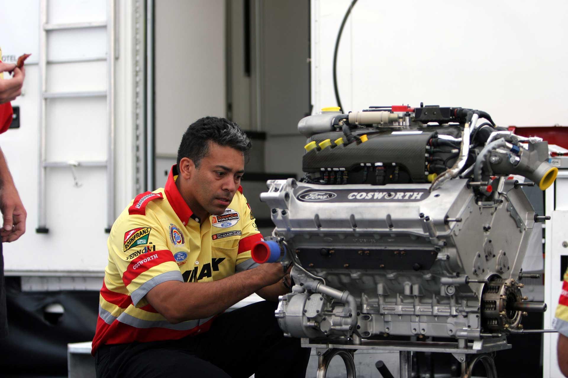 garnet-beeput-and-ford-cosworth-indy-car-engine