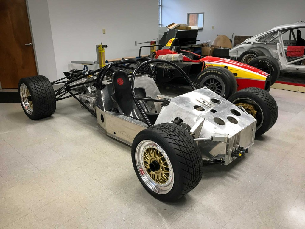 porsche 962 chassis