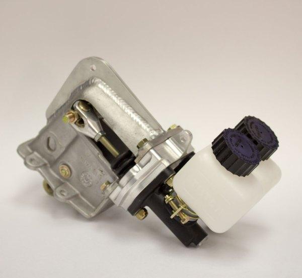 dual-brake-master-cylinder-assembly-04