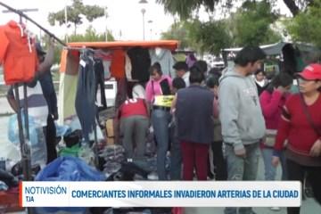 COMERCIANTES INFORMALES INVADIERON ARTERIAS DE LA CIUDAD