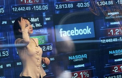 Por ahora, la esperada entrada a la bolsa de Facebook sólo ha traído dolores de cabeza.