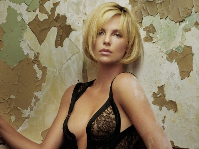 Charlize-Theron-Hot-3