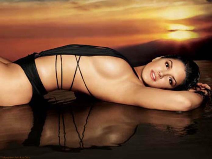 Gina-Carano-Hot-Wallpapers