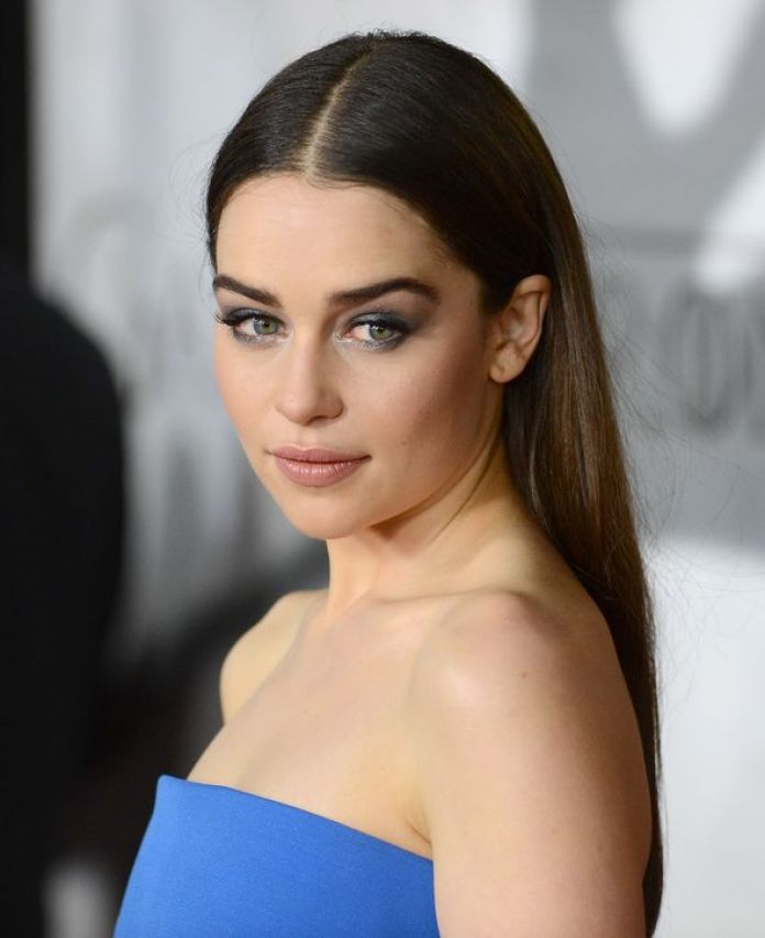 emilia-clarke-game-of-thrones-premiere-eye-makeup-h724