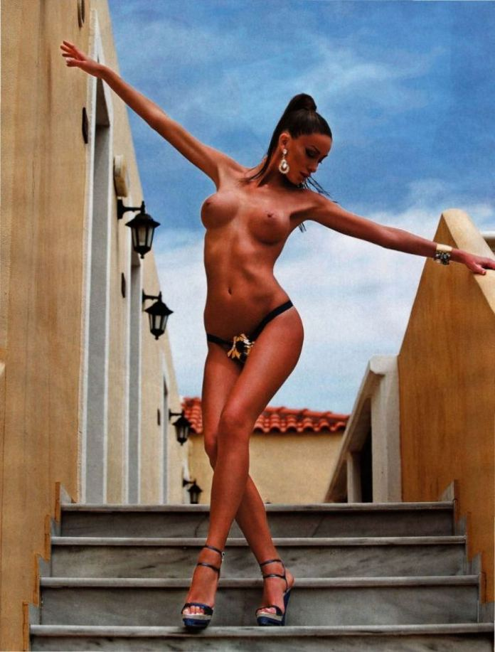 86889_Playboy_2_2011_Russia_Scanof_net_084_123_70lo
