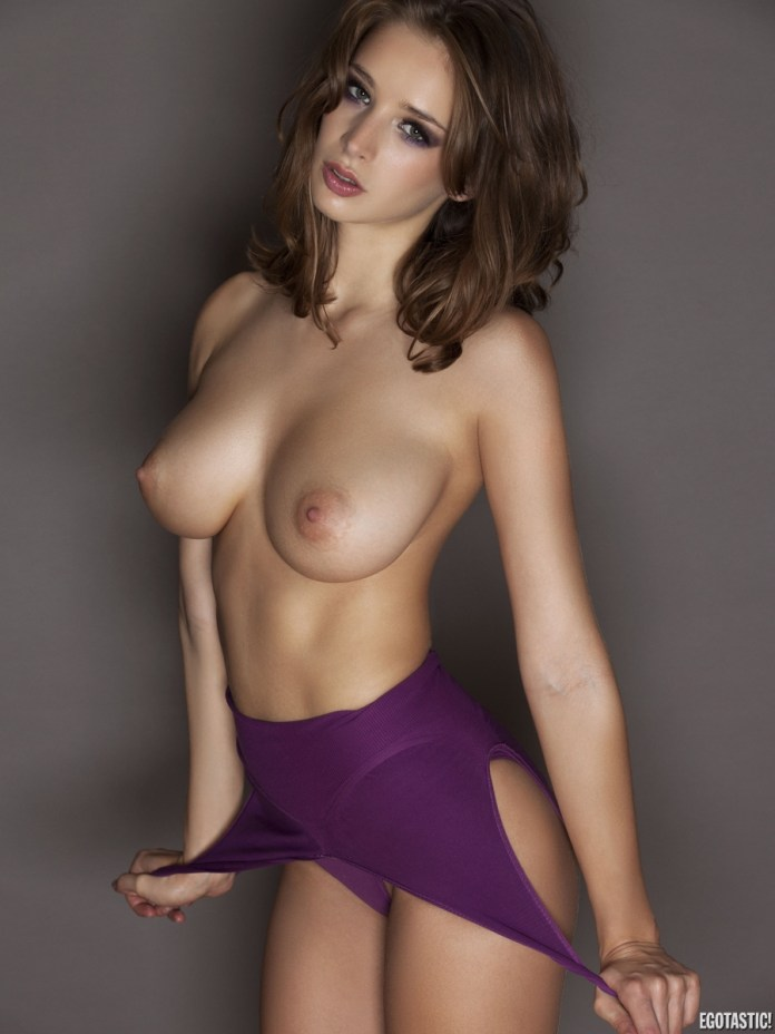 emily-shaw-topless-in-frank-white-photoshoot-02-900x1200