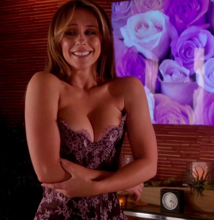 Jennifer-Love-Hewitt---The-Client-List--01-e1363650816183