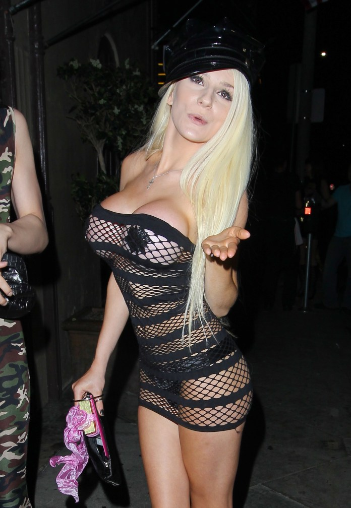 Courtney-Stodden-half-naked-in-see-through-dress-and-black-nipples-27