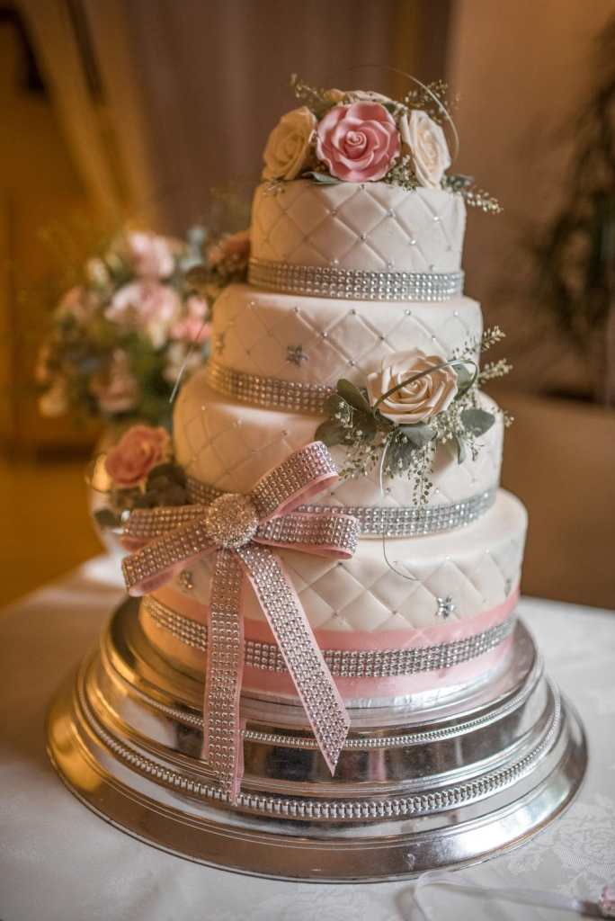 Wedding cake at Kenwick Park Hotel, Lincolnshire photography