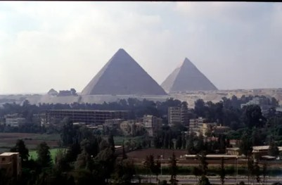 Interesting pictures of the Sphinx and Great Pyramids taken from different perspectives
