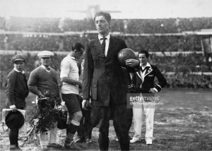John Langenus holding the match ball before the final of the 1930 World Cup
