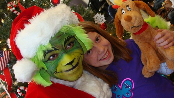 1200px-Flickr_-_The_U.S._Army_-_A_friendly_Grinch