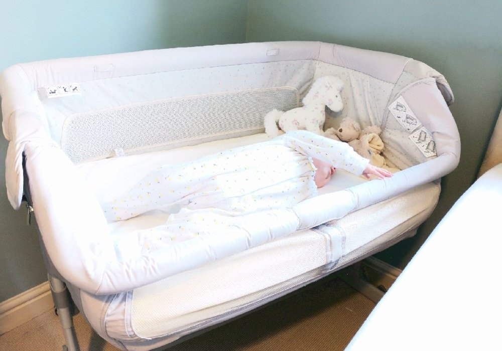 chicco next2me dream review is the co sleeping cot a game changer. Black Bedroom Furniture Sets. Home Design Ideas