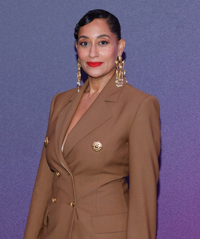 Tracee Ellis Ross' Bikini Pic Is Reason Enough To Book Your Post-Vaccine Vacation (Vaxacation?)