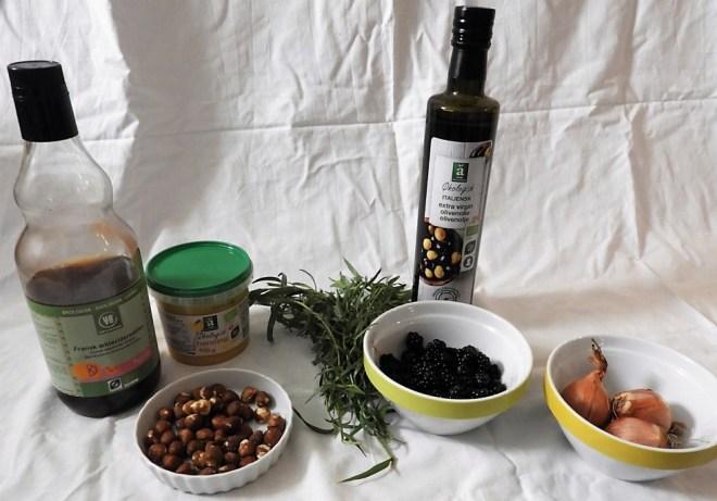 Brombærvinaigrette råvarer - tilbehør til saltbagt selleri