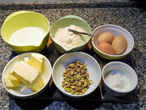 Valentinskage -råvarer til pistaciemasse
