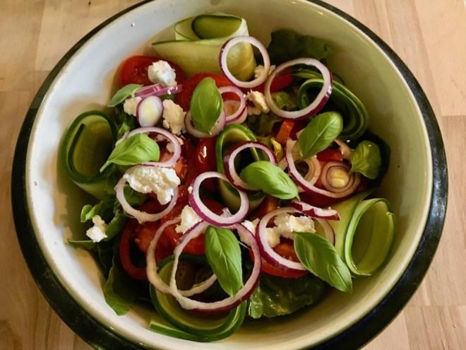 Salat med gedefriskost