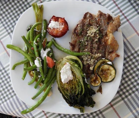 Girllede grøntsager til grillbøffen