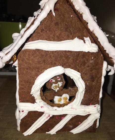 Honningkagehus med beboer
