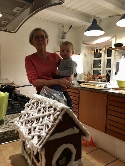 Honningkagehus og barnebarn