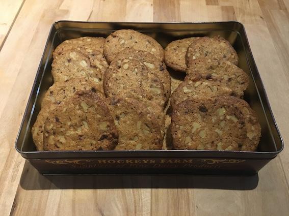 Cookies med valnødder og chokolade