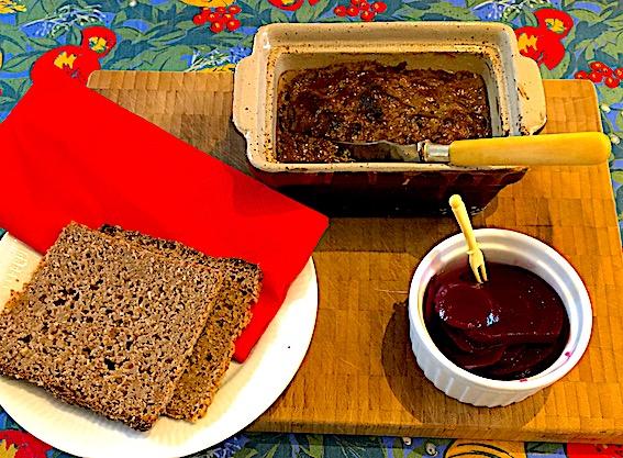 Rugbrød til hjemmelavet leverpostej