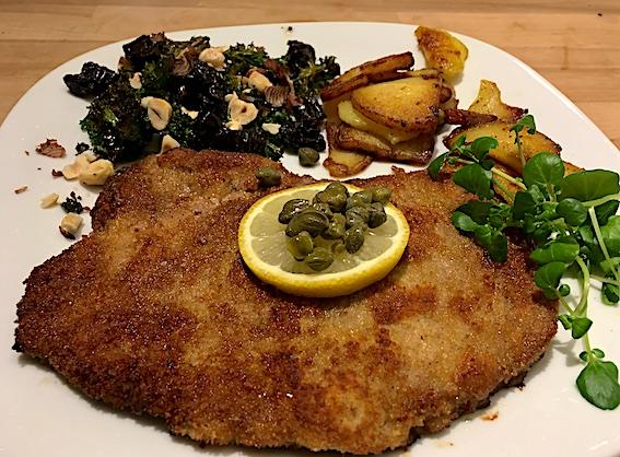 Grønkålsalat til kalveschnitzel