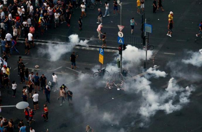 Leonardo Mihai Marincean ne explica de ce POT FI FOLOSITE gazele lacrimogene