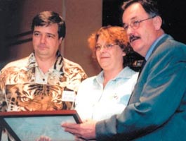 photo reconnaissance journal de la rue et reflet de societe prix iso famille 2001