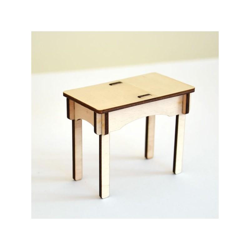 petite table miniaturepour maison de poupee ou decoration