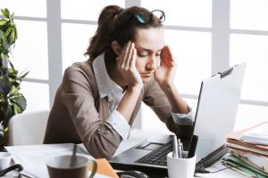 woman with migraine awareness week