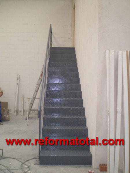 Forjados en hierro reforma total en madrid empresa de for Armar escalera metalica
