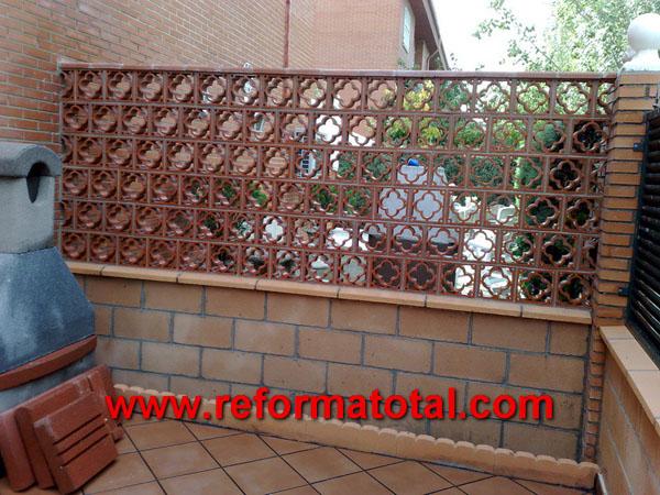 052 12 fotos vallas metalicas reforma total en madrid for Ceramica patios fotos