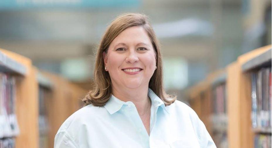 Julie Johnson defeats incumbent Matt Rinaldi