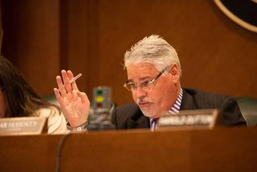 Texas House panel advances school finance bill but removes merit pay provision