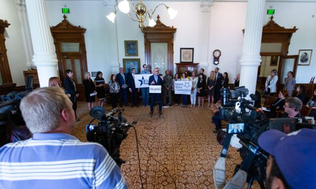 """Texas Senate approves occupational licensing law LGBTQ advocates call a """"license to discriminate"""""""