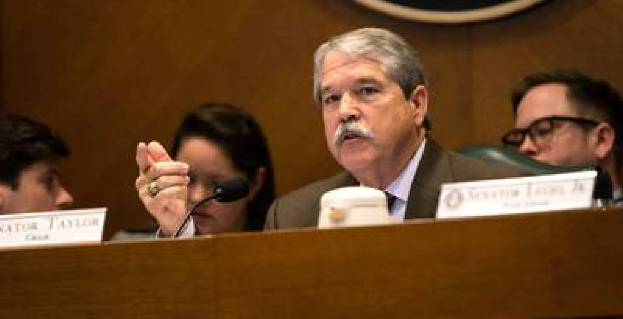 Texas Senate rushes to advance school finance bill, passes it out of committee