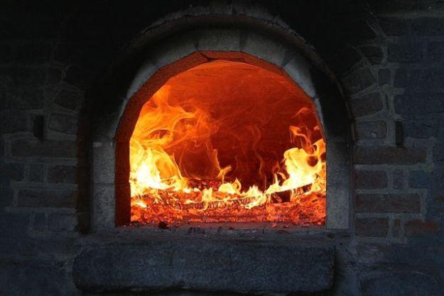 Der Ofen wird aufgeheizt - aktuelle Temperatur vermutlich 500 °C