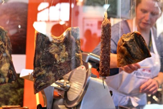 Die Hocks, ursprünglich aus Baden, züchten dänische Protestschweine in Nordfriesland