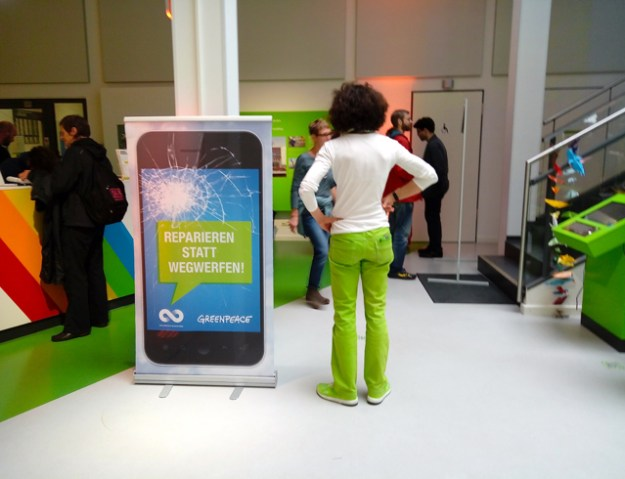 9. Oktober 2016, Hamburger Greenpeace Zentrale in der Hafencity - Smartphone Repair-Café