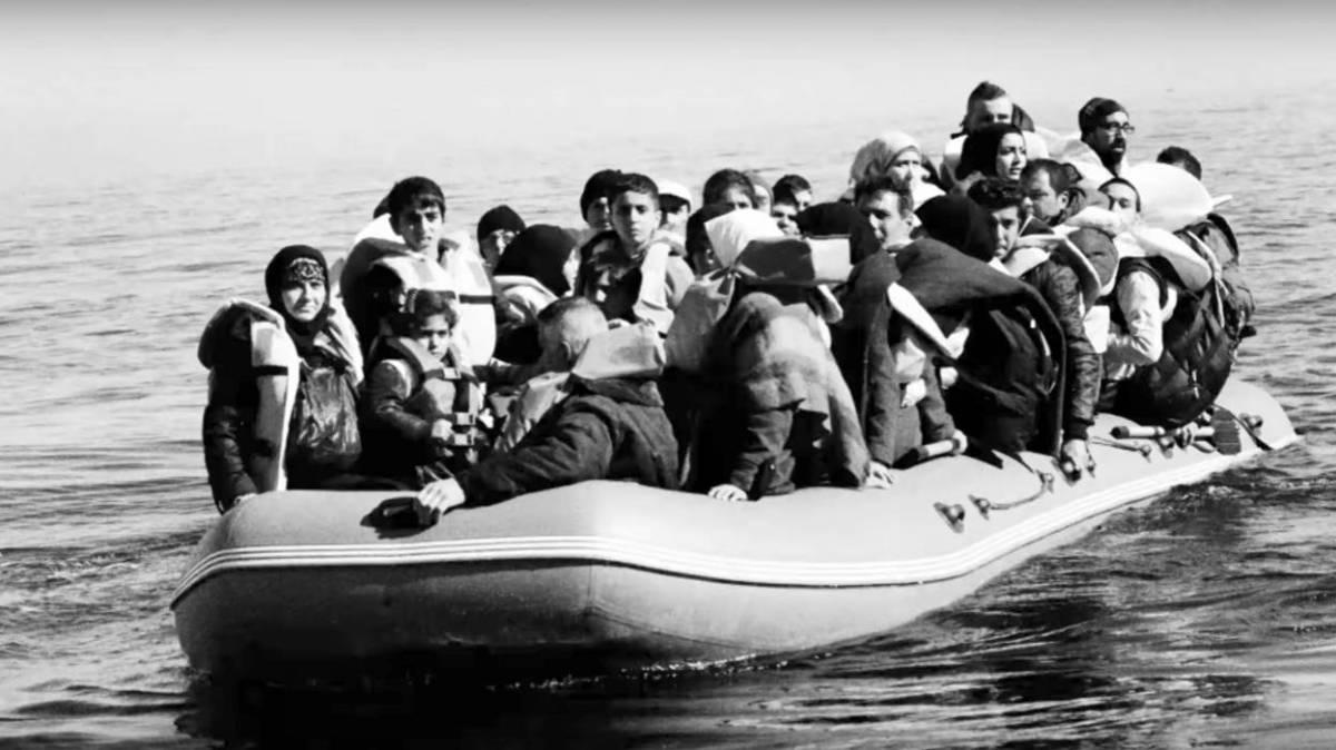 """""""Tous humains"""" : PJ Harvey et Ramy Essam chantent pour les enfants réfugiés"""