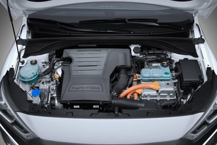 Hyundai Ioniq híbrido enchufable 2017