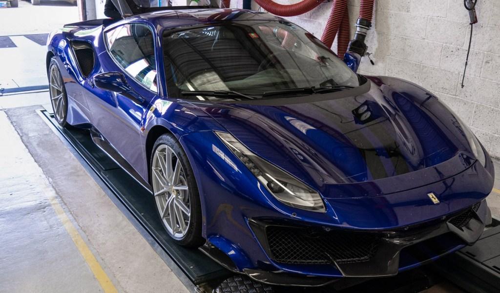 Ferrari-service-4